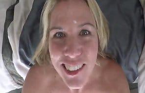 Lehrerin fickt Hausmeister und bekommt Sperma ins Gesicht